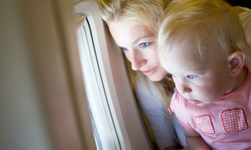 5 Tips to Travel in an Airplane with Kids
