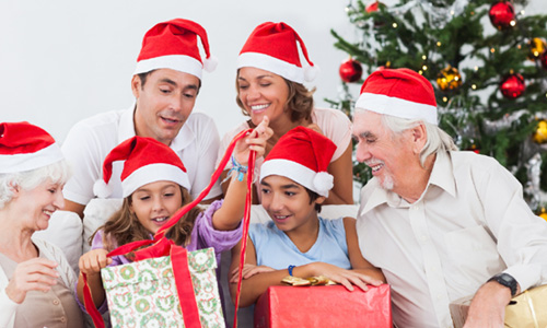 4 Reasons Why You Must Celebrate Christmas with Your Family