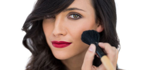 makeup-tricks-to-make-your-face-look-thinner