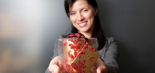 Christmas-gift-ideas-for-female-coworkers