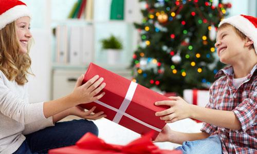 9 Christmas Gift Ideas for Older Sister