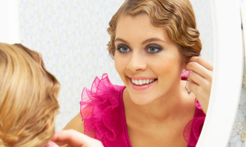 7 Makeup Tips to Look Great on Christmas Eve