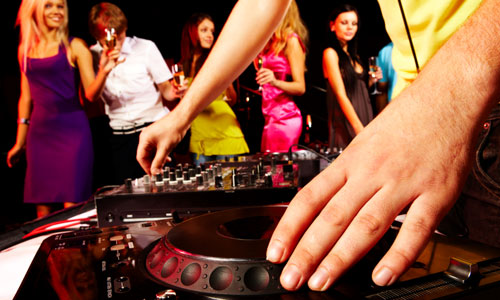 6 Best New Years Eve Party Songs