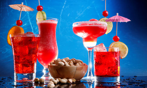 5 Easy Christmas Cocktail Recipes
