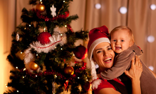 8 Tips to Make Your Baby's First Christmas Super Special