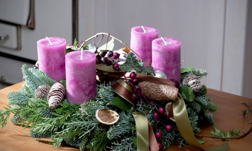 traditional ways to decorate your home for christmas