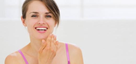 ways-retinoids-help-stop-wrinkles