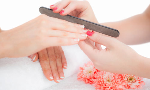 5 Ways to Take Care of Splitting Nails