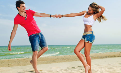 9 Romantic Things He Wants You to Do