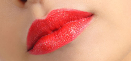 tips-to-Apply-Lipstick-to-Correct-Irregular-Lip-Shape