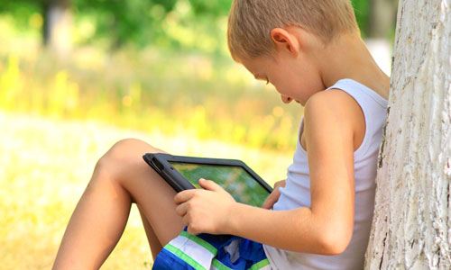 Ways to Control Your Child's Smartphone or Tablet Addiction