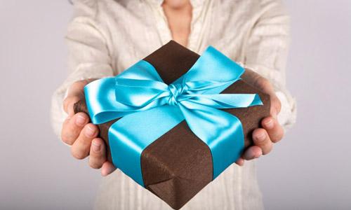 6 Fun Anniversary Gift Ideas