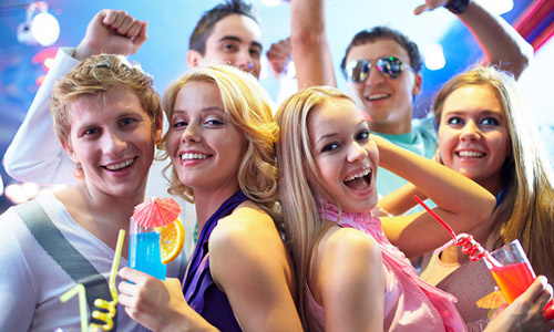 13 Tips to Throw a Super Cool Graduation Party