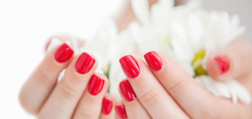 tips-to-get-rid-of-stained-nails