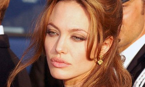 very-interesting-facts-about-the-humanitarian-side-of-Angelina-Jolie