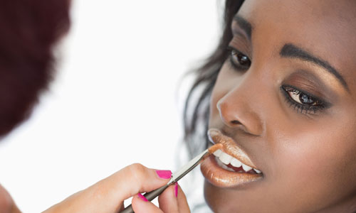 Great Ideas to Correct the Lip Shape with Lipstick