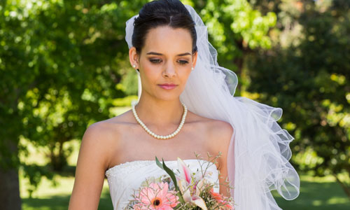 Things Brides Should Stop Stressing About on their Wedding Day