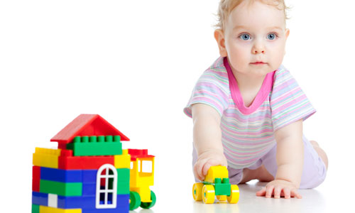 Ways to Keep Your Toddler Busy When You are Out
