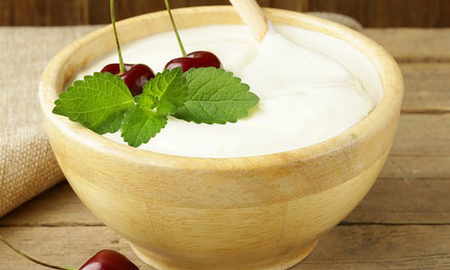 7 Beauty Secrets By Using Yogurt