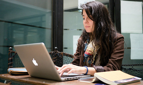 7 Best Part-Time Jobs For College Students