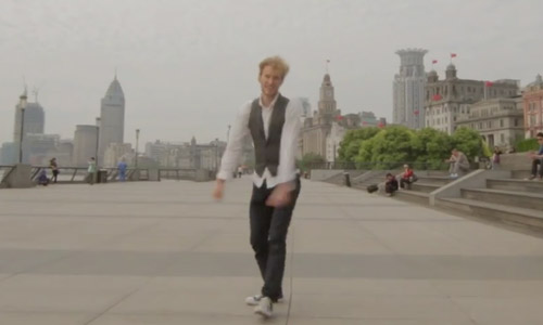 This Guy Dances Backwards Around The World. This Video Is Amazing!