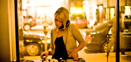 6 Reasons You Should Hire a Professional DJ in Your Wedding