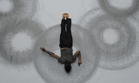 This Guy Makes Drawings With His Entire Body. Amazing Is Not The Word!