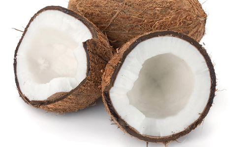 5 Benefits of Coconut Milk for Hair