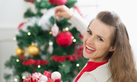 6 Best Christmas Makeup & Hair Looks