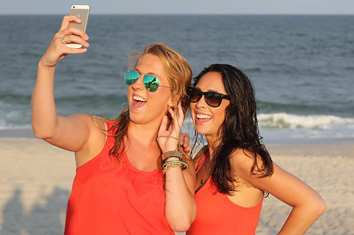 7 Selfie Ideas For Friends